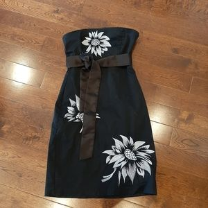 Cute strapless floral dress with sash